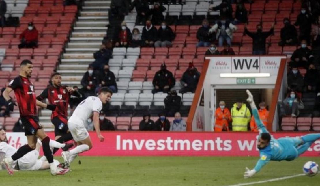 格洛埃内韦德的进球给了伯恩茅斯第一回合的胜利