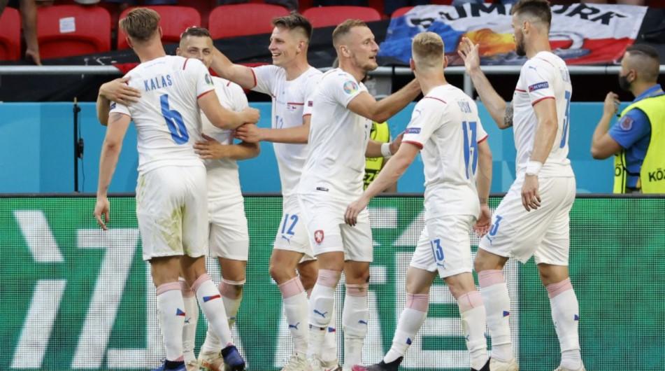 捷克共和国击败了荷兰队进入了八强