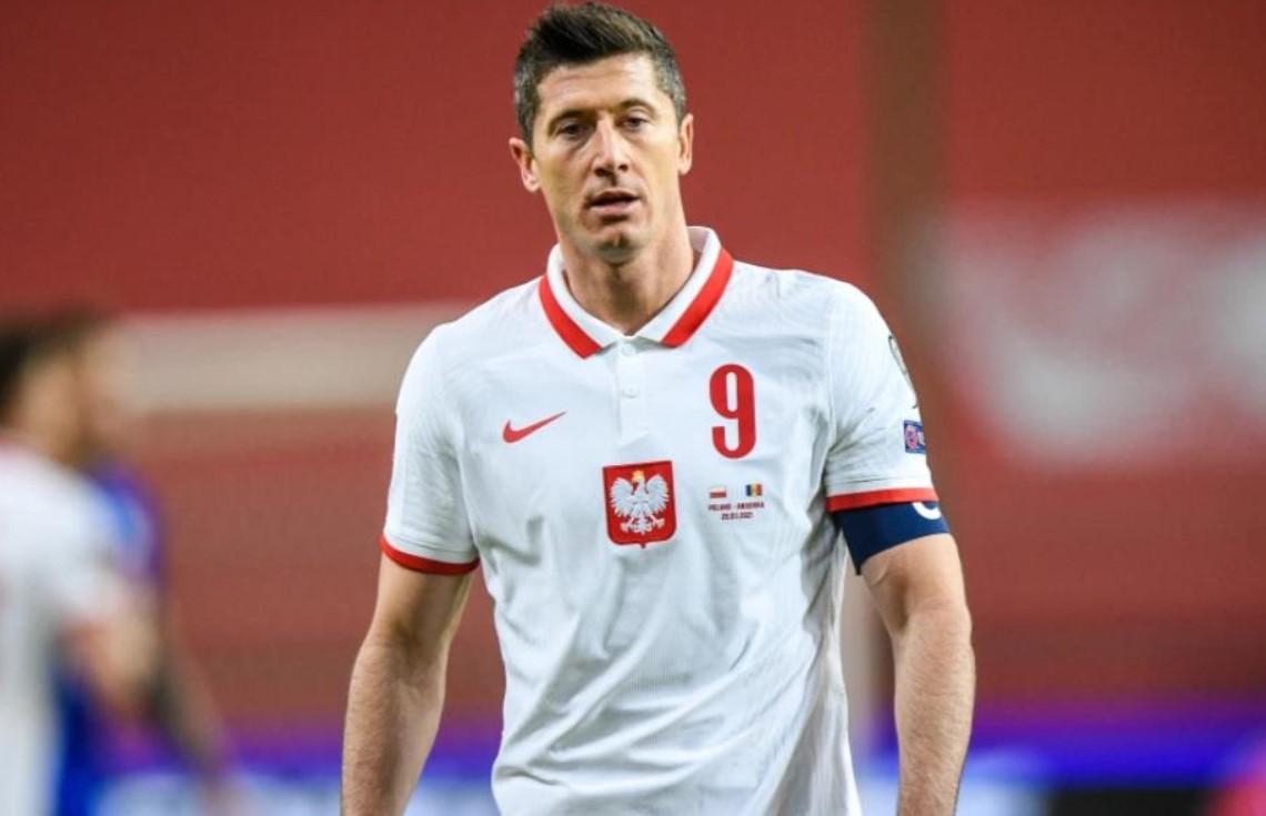 罗伯特•莱万多夫斯基将在周三错过波兰对英格兰的大型世界杯预选赛