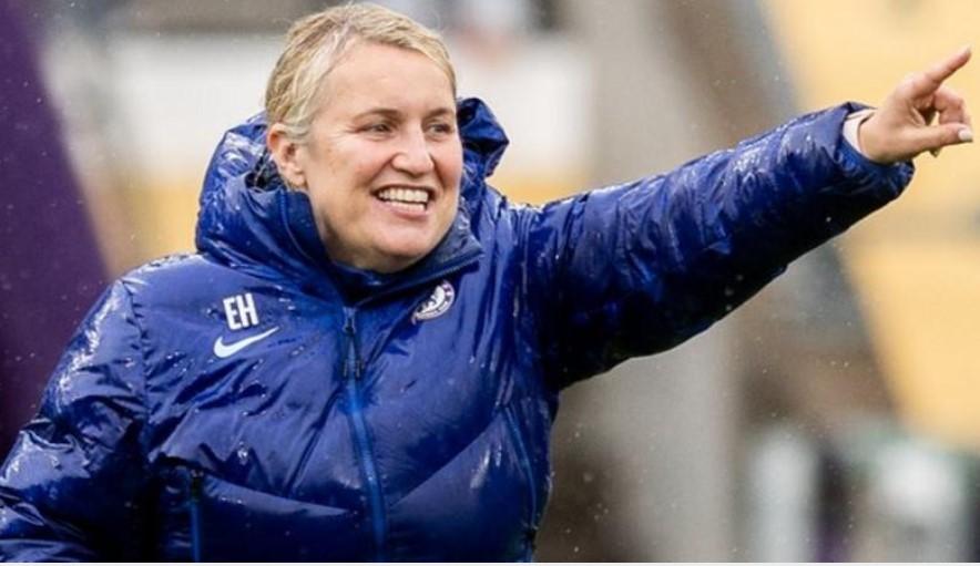 切尔西主帅艾玛海耶斯与女足超级联赛冠军续约