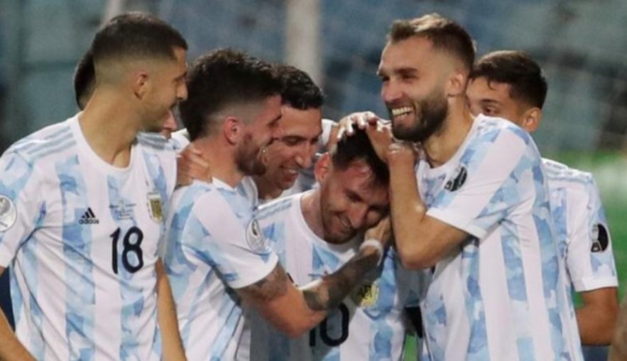 梅西助阿根廷击败厄瓜多尔以闯入美洲杯半决赛