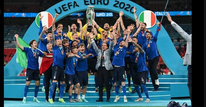 意大利在戏剧化的点球大战中击败了英格兰队获得了欧洲杯冠军