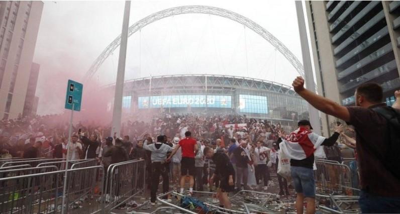 伦敦警察否认温布利球迷闯入事件并非是警方行动失败