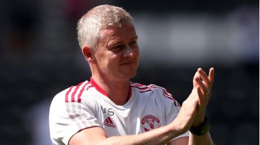 曼联前锋马库斯·拉什福德要考虑是否接受肩部手术