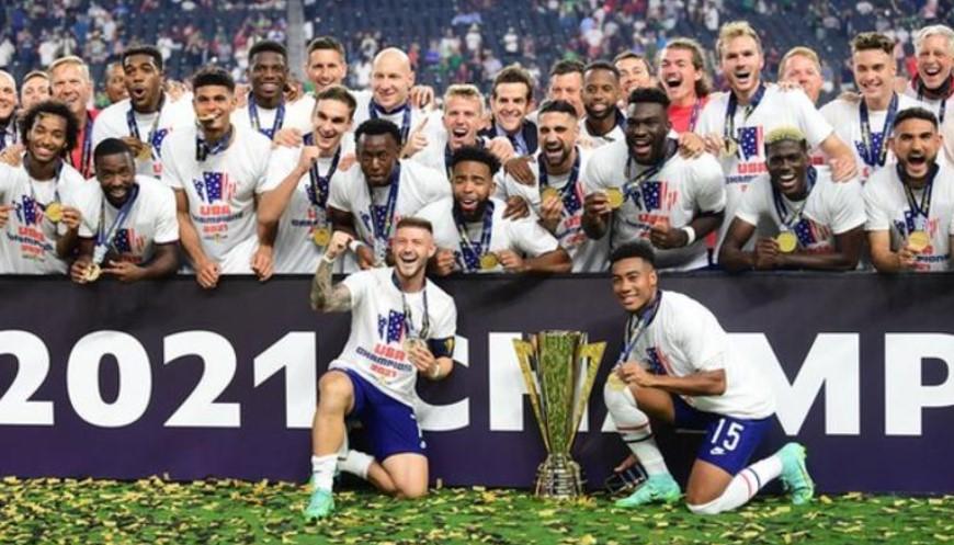 美国队击败了墨西哥赢得了美洲金杯