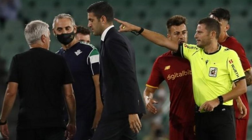 在罗马队教练被罚下场后皇家贝蒂斯赢得了友谊赛