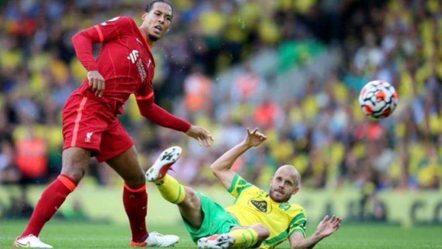 利物浦后卫维吉尔·范戴克受伤后回归球队