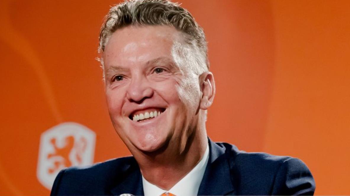 """荷兰经理说他会任命自己并问""""除了我还有谁?"""""""