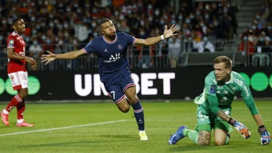 利昂内尔·梅西与内马尔缺席的巴黎圣日耳曼对布雷特斯来说仍然太强大
