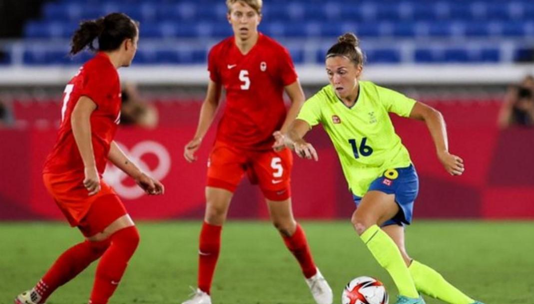 曼城从赫根足球俱乐部签下瑞典中场菲利帕·安耶尔达尔