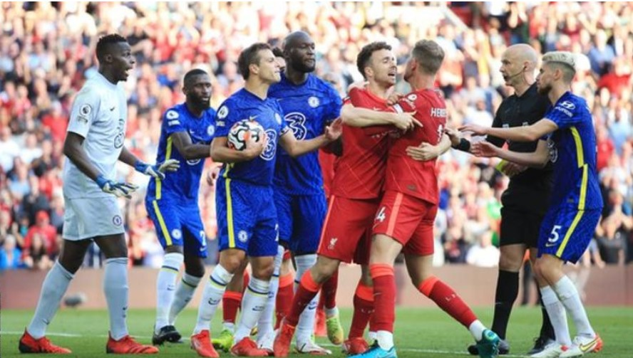 切尔西被英足总指控未能在对阵利物浦的比赛中控制球员