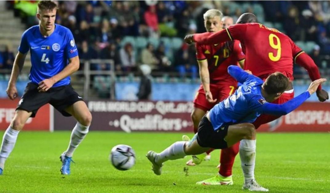 卢卡库在比利时取得胜利的比赛中进球两次