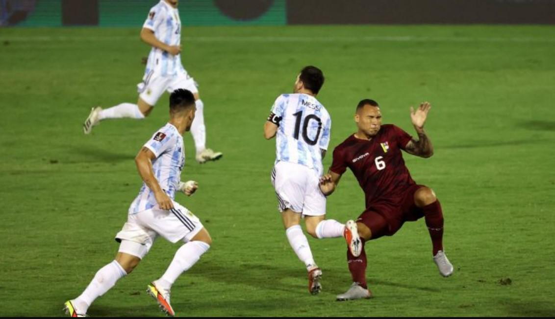 梅西在为阿根廷出战的比赛中受伤