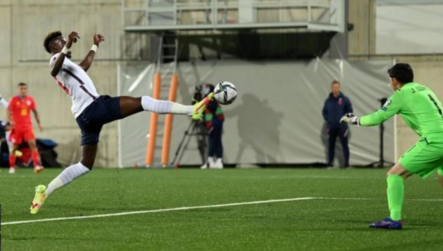 英格兰队伍在世界杯预选赛中轻松击败了安道尔队伍
