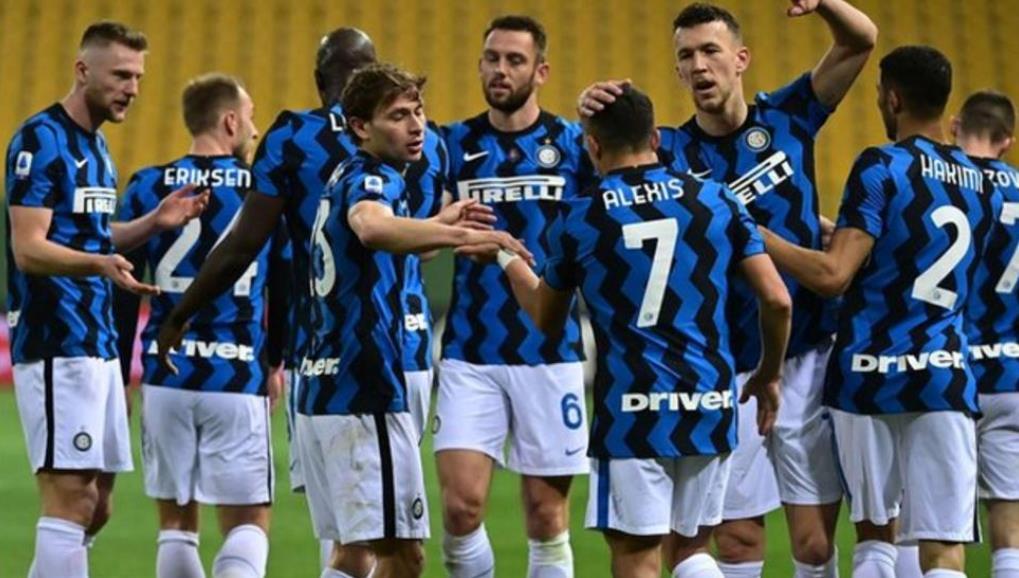 亚历克西斯·桑切斯在国际米兰的胜利中进了两个球