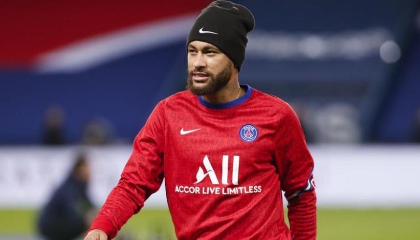 内马尔的第一场回归是与里昂对阵