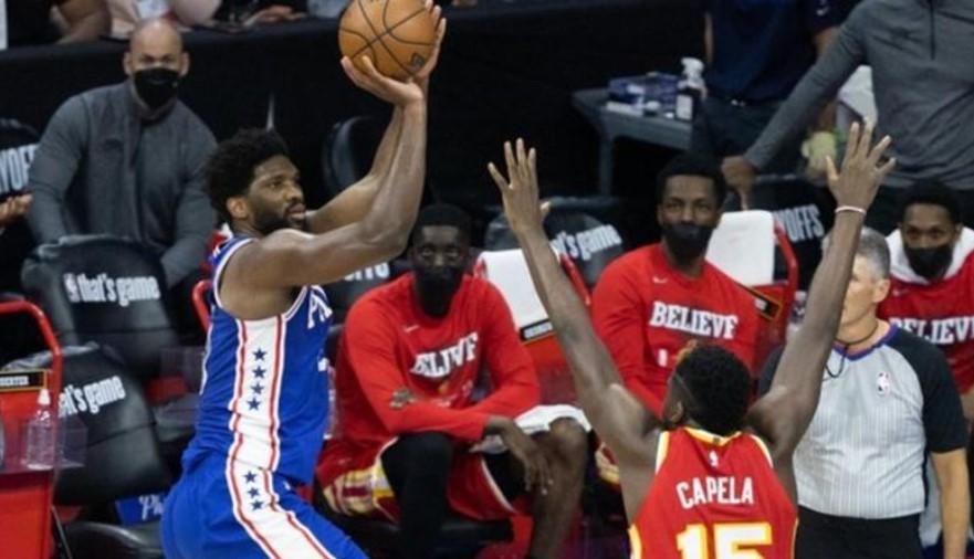 NBA季后赛:乔尔·恩比德帮助费城76人队击败亚特兰大老鹰队