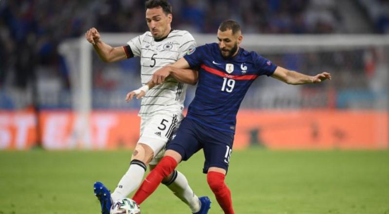 马茨·胡梅尔斯自己的进球帮助法国队击败了德国队