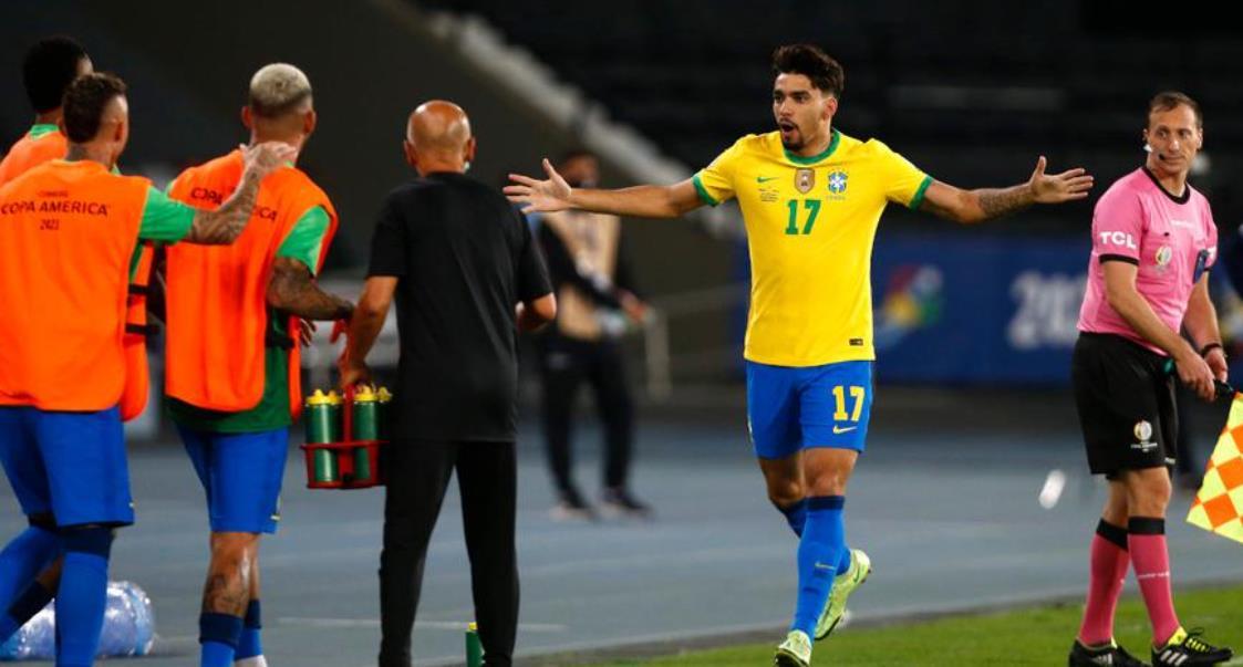 十人巴西队以 1-0 战胜智利队,与秘鲁队同组美洲杯半决赛