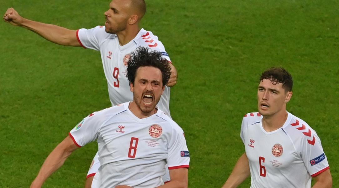德莱尼和多尔贝尔将丹麦队带进温布利四强