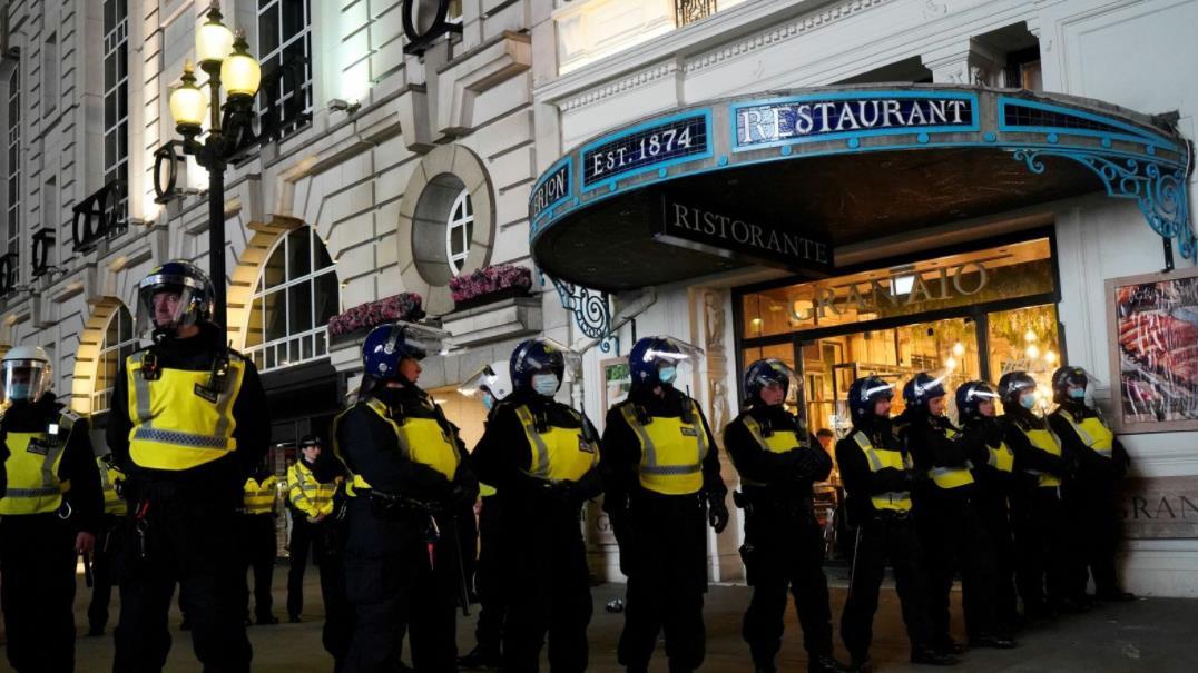 英格兰获胜后警方在伦敦逮捕了20人