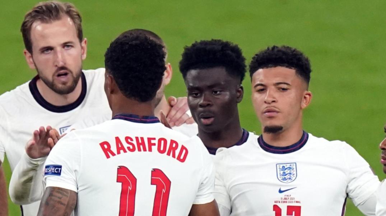 萨卡、拉什福德桑乔在赛后遭受了种族歧视