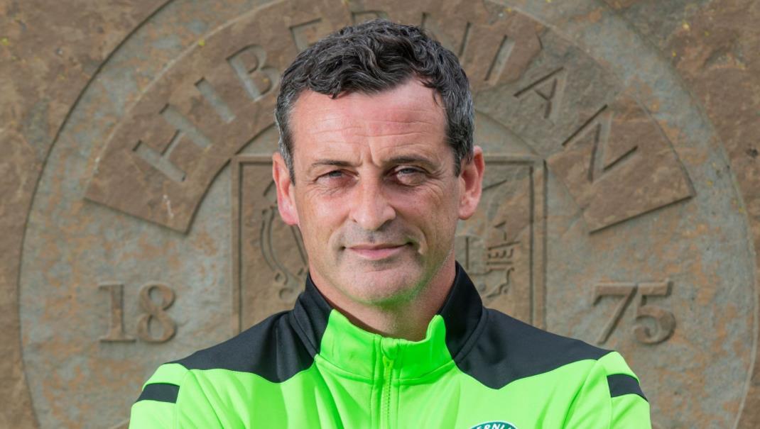希伯尼安主教练续约至2024年