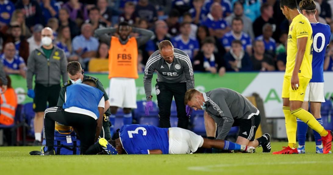 莱斯特后卫在季前友谊赛中受伤