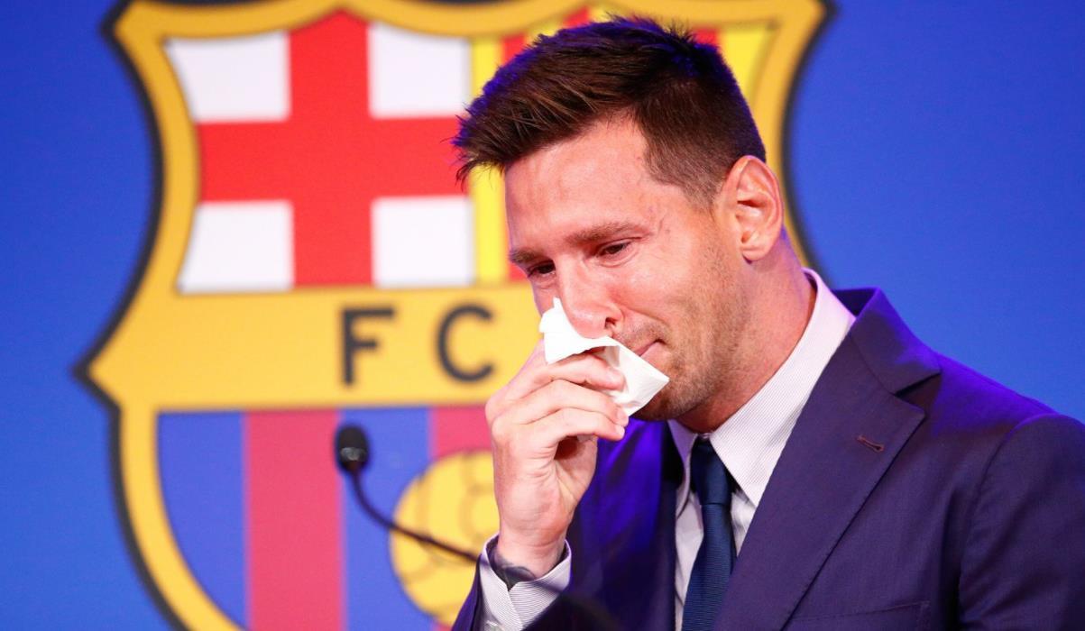 梅西告别巴塞罗那,但坚称巴黎圣日耳曼的转会尚未完成