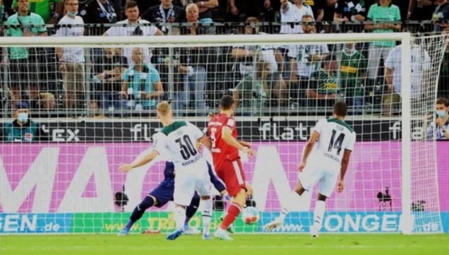 拜仁以与门兴格拉德巴赫的平局战开启了他们的新赛季
