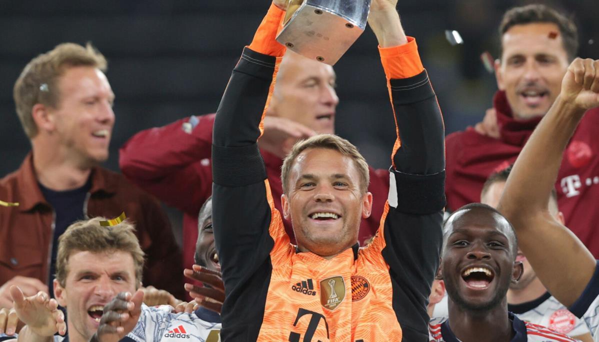 罗伯特~莱万多夫斯基的两进球帮助拜仁夺得德国超级杯