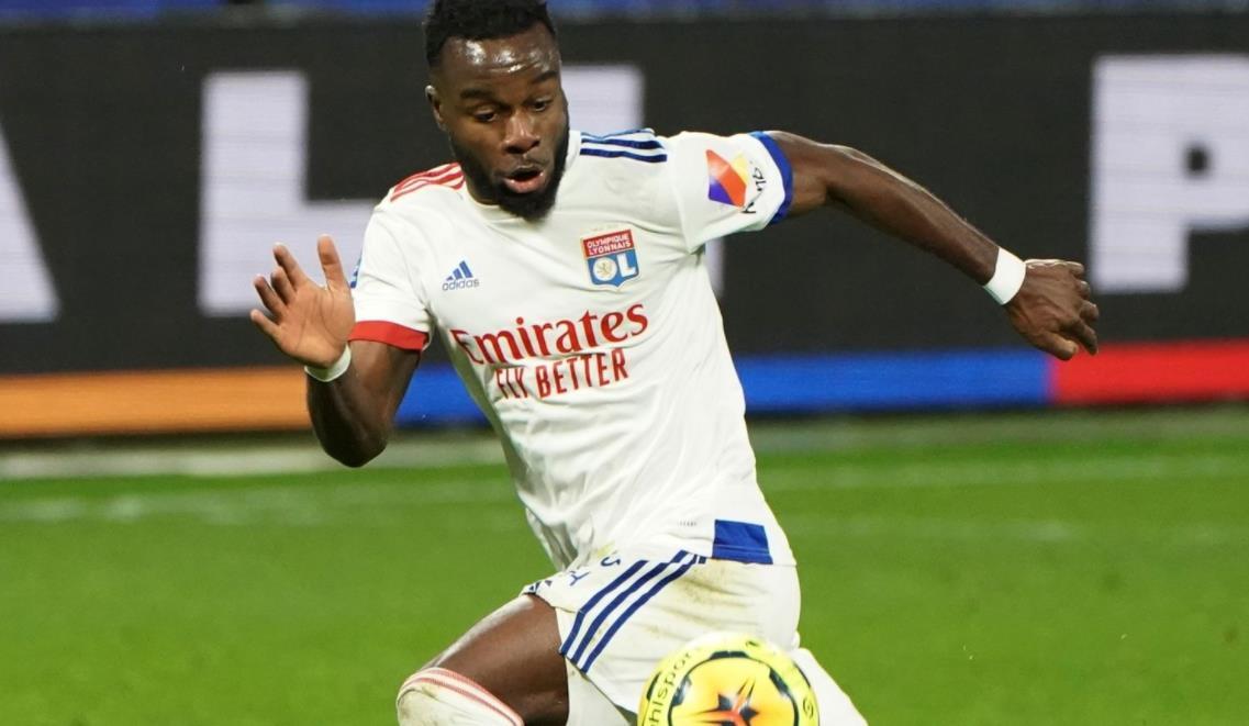 伯恩利为里昂的科特迪瓦左路球员开出 1500 万英镑的报价