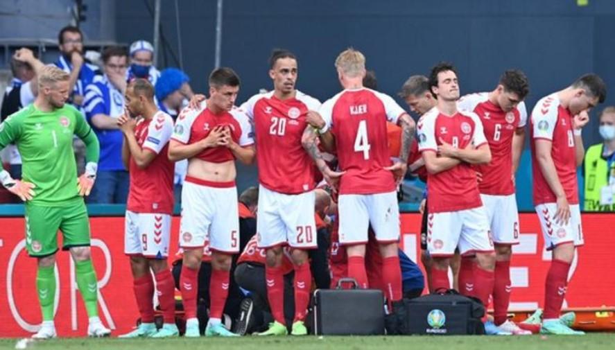 欧足联授予西蒙·凯尔和医疗团队以拯救丹麦球员克里斯蒂安·埃里克森的欧洲足球联合会联盟主席奖
