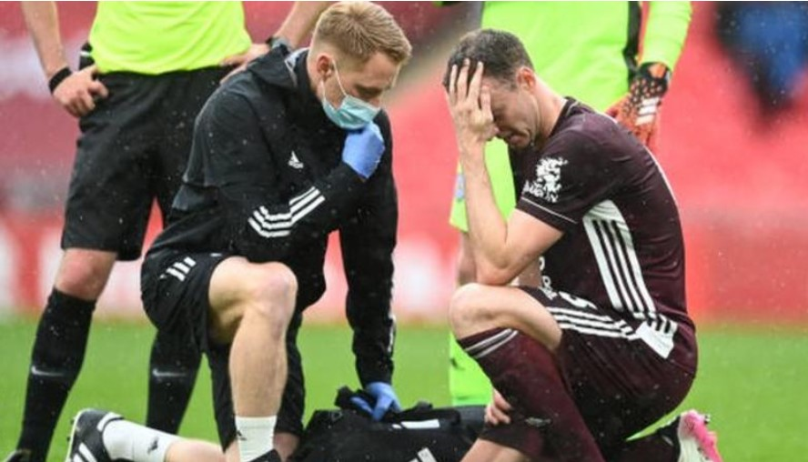 凯尔·拉弗蒂和利亚姆·博伊斯被排除在外,强尼·埃文斯在北爱尔兰队世界杯预选赛阵容中