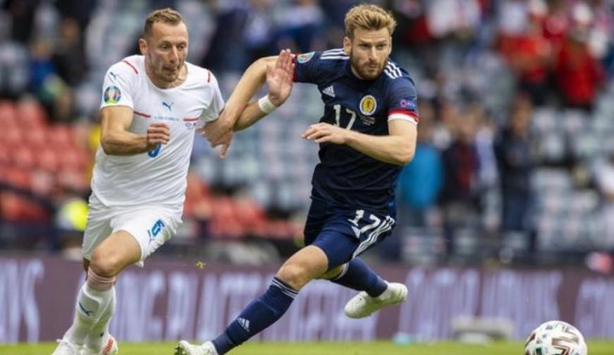 斯图尔特阿姆斯特朗因小腿受伤而退出苏格兰队世界杯预选赛