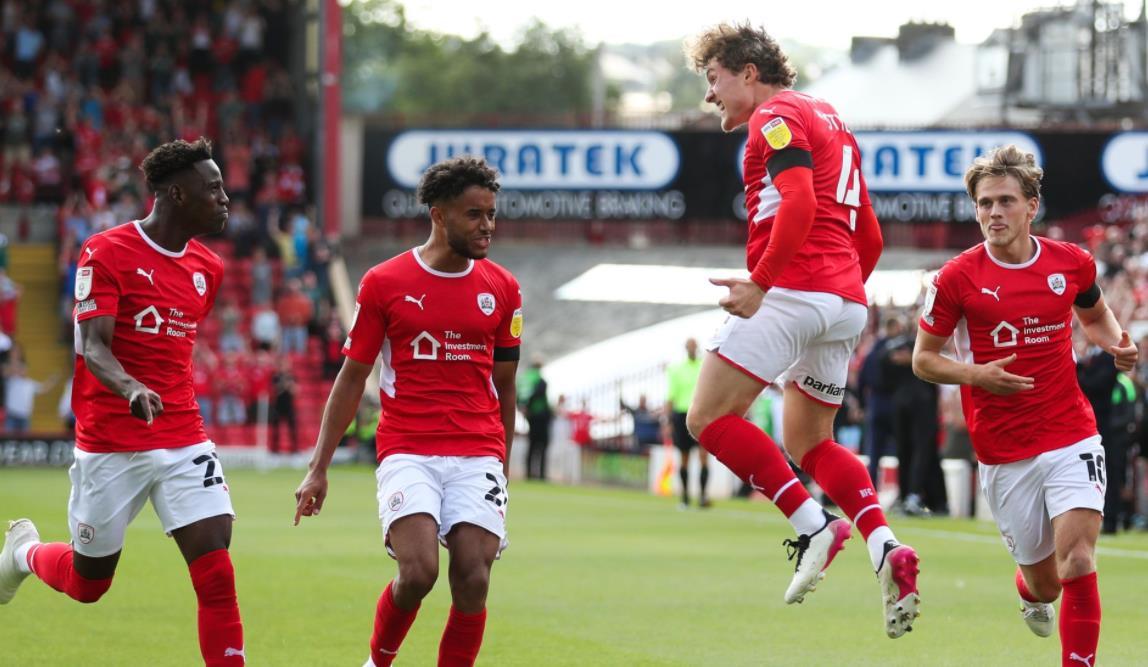 尤特基维茨在英格兰足球冠军联赛中为伯明翰赢得积分