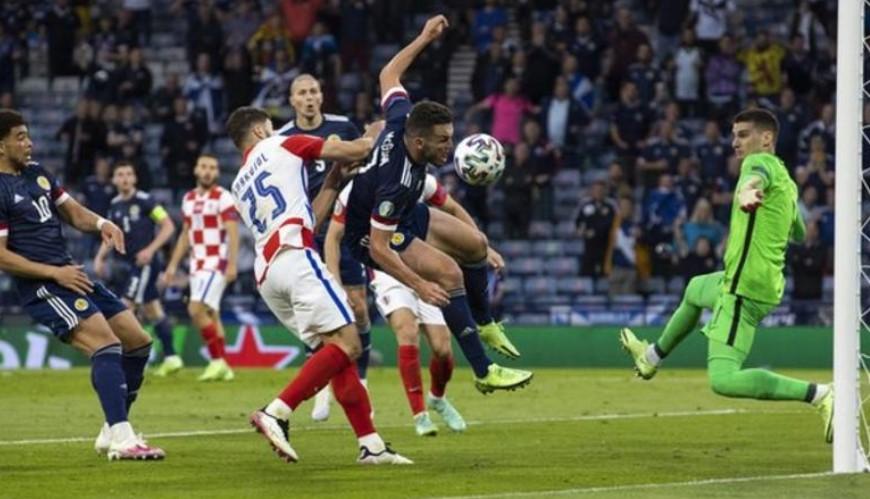 苏格兰和阿斯顿维拉中场约翰·麦金将错过丹麦世界杯预选赛