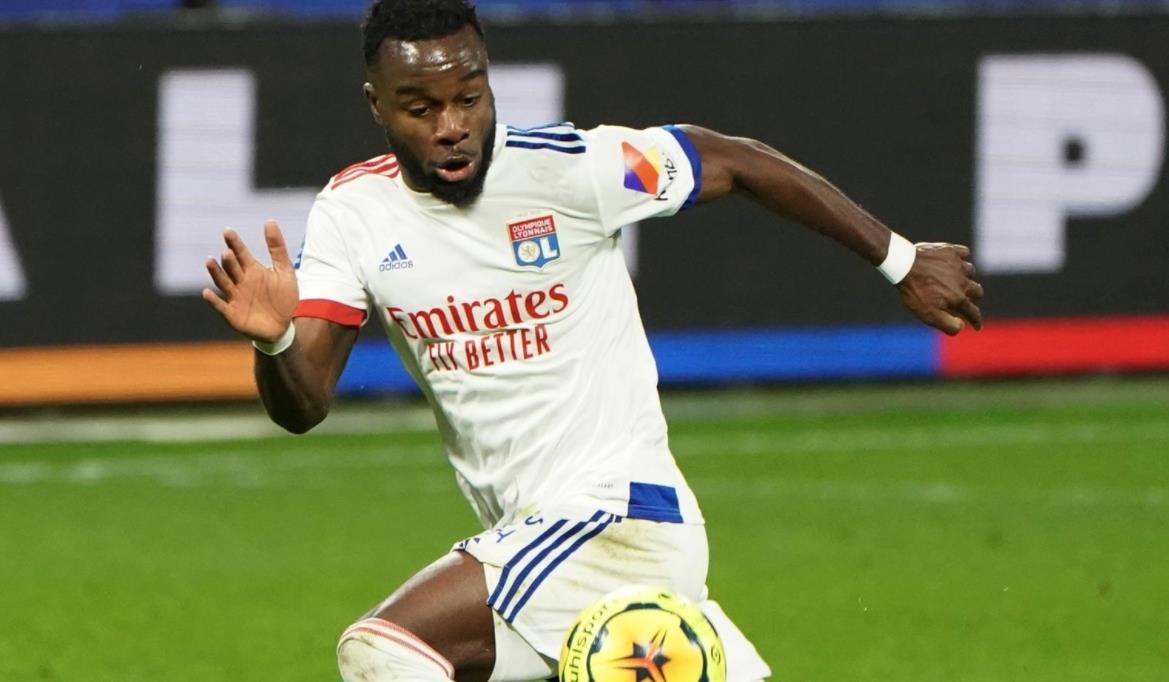 伯恩利以五年合约从里昂签下马克斯韦尔~科尔内