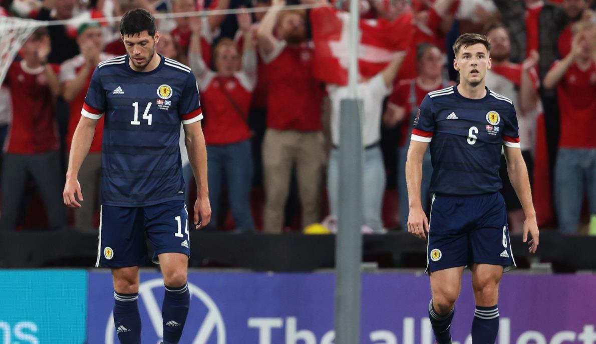 丹麦以2-0击败了苏格兰队—-世界杯预选赛