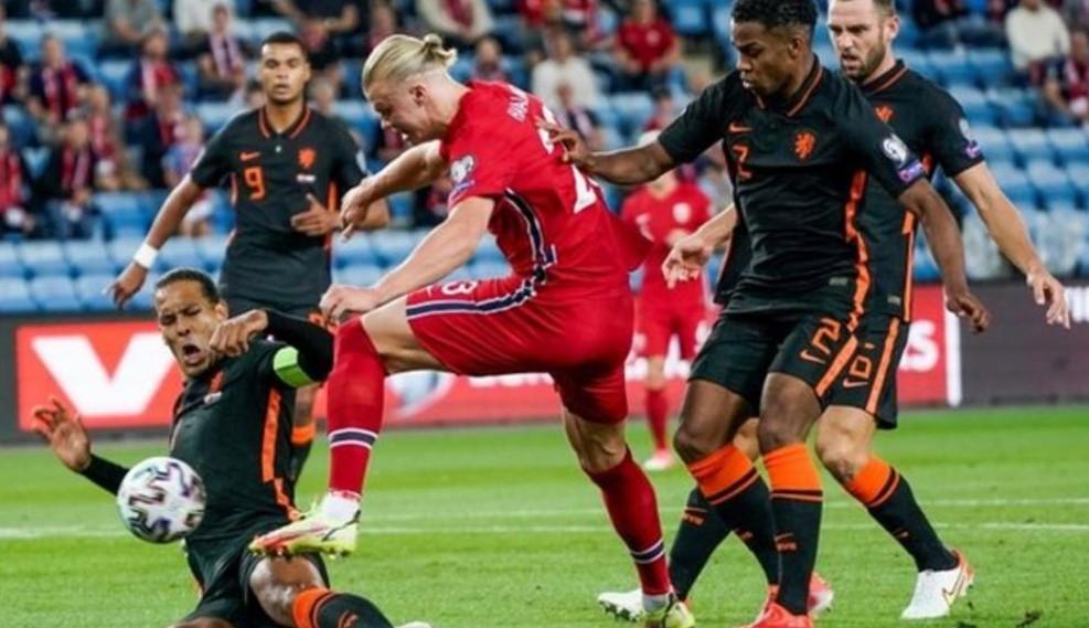 荷兰队在路易斯·范加尔第三次执教的第一场比赛中与挪威战平