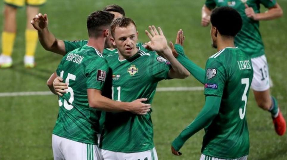 世界杯预选赛:伊恩·巴拉克拉夫赞扬立陶宛获胜后筋疲力尽的北爱尔兰