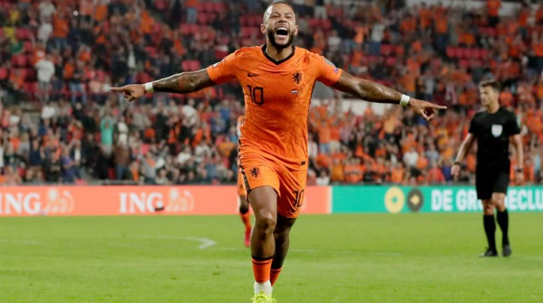 荷兰击败黑山,德佩打进了两个进球