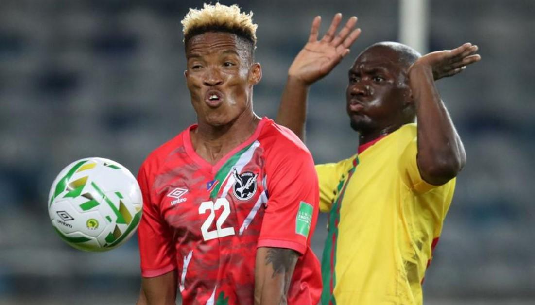 埃尔莫.坎宾迪的头顶球使纳米比亚赢得比赛