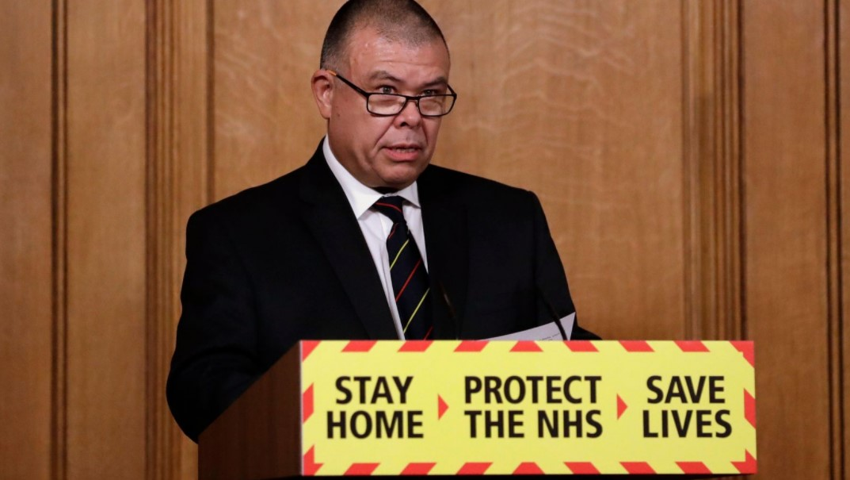 敦促英超联赛和 EFL 球员在政府竞选中接种疫苗