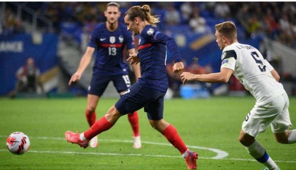 法国队击败芬兰队以结束五连败