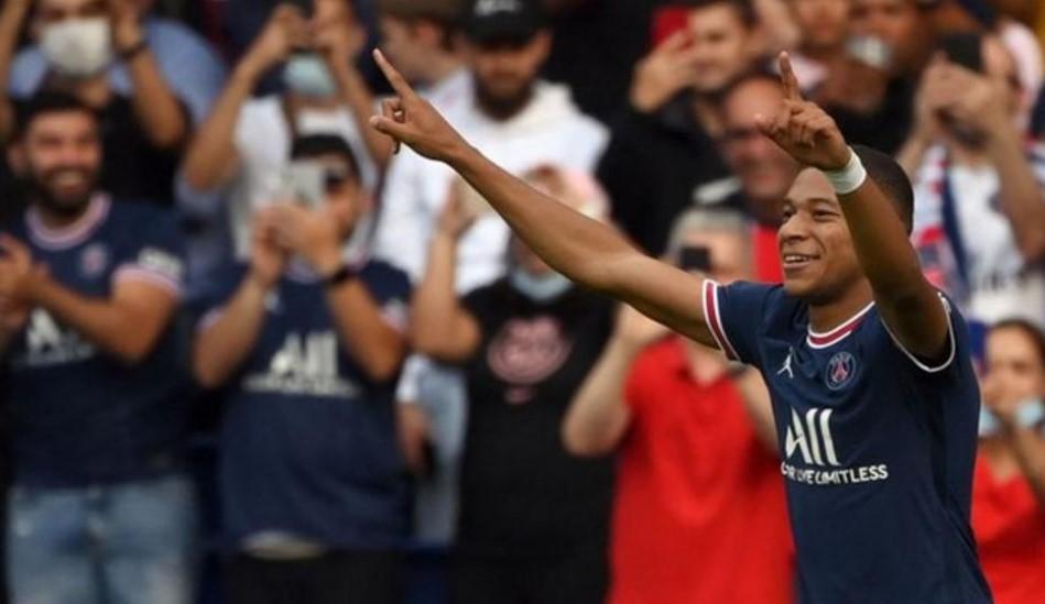 巴黎圣日耳曼队目前取得了百分百的比赛胜率