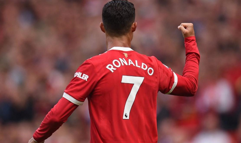 罗纳尔多在回归曼联的首战打进两个进球