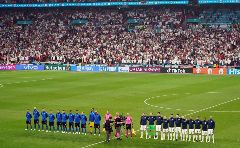英格兰输给意大利后,肯特警方指控该男子涉嫌种族主义帖子