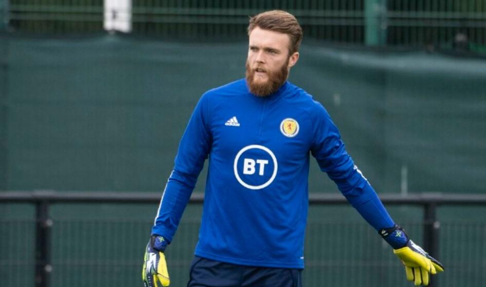 圣约翰斯通守门员詹德.克拉克失去了他在苏格兰队世界杯预选赛的席位