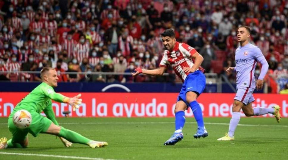 马德里竞技队击败了巴塞罗那以增加科曼的压力